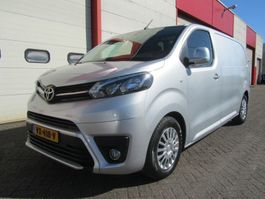 closed lcv Toyota PROACE 1.6 D-4D 2016