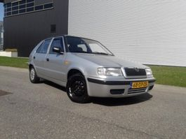 samochód typu hatchback Skoda Felicia, 5Drs 1,3 MPI APK tot 30-03-2021 1999