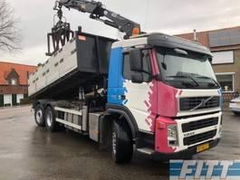 tipper truck > 7.5 t Volvo FM9/300 6X2 kipper kraan 2007