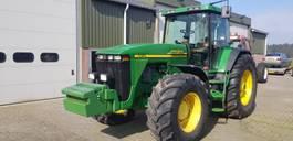 Landwirtschaftlicher Traktor John Deere 8410 2000