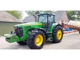 farm tractor John Deere 8520 2003