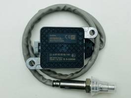 Exhaust system truck part Mercedes-Benz Noxsensor A0111536228, A 011 153 62 28, A2C18643400