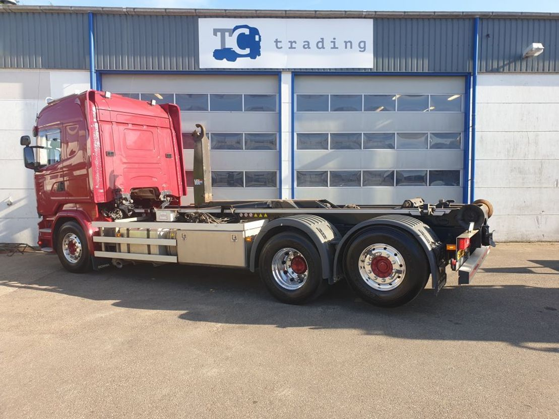 container truck Scania R450 6x2 haaksysteem. (more in stock) 2017