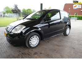 hatchback car Citroen C2 1.1i Séduction 2004