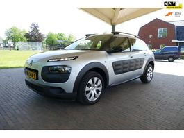 suv car Citroen C4 Cactus 1.2 PureTech Feel trekhaak nav NAP 2015