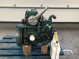 engine equipment part Volvo Penta MD1B 10 PK diesel motor met keerkoppeling voor sloep