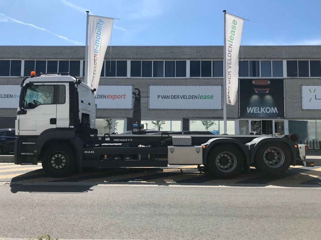 container truck MAN TGS 28.420 6x2-2 BL haakarm 2018