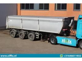 Kipper Auflieger AJK 3-ass. Kipper // 2x gestuurd 2006