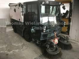 Forstwirtschaftlicher Traktor Schmidt Swingo Compact 200+ Strassenkehrmaschine 2014