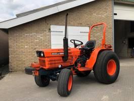 tractor agrícola Kubota Kubota B8200 HD