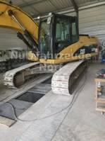 crawler excavator Caterpillar 323D 2008