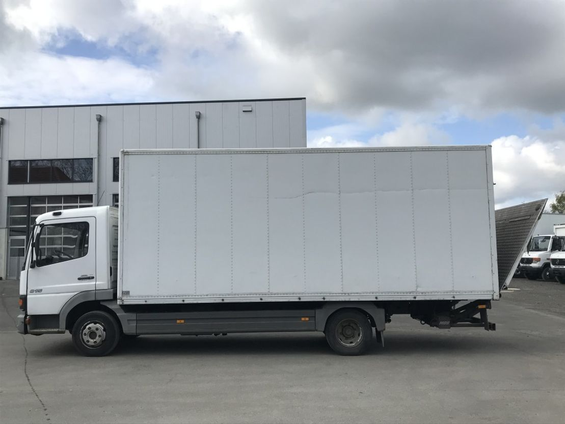 closed box truck > 7.5 t Mercedes-Benz Atego 815 Koffer + LBW 2004