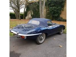 voiture cabriolet Jaguar Type e Série 2 4,2 cabriolet 1969