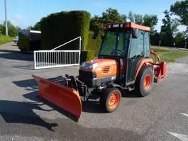 mini - compact - garden tractor Kubota ST3 STV40 met sneeuwschuif en klepelmaaier 2008