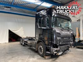 container truck Scania R520 6x2 contailerhook v8 damaged 2017