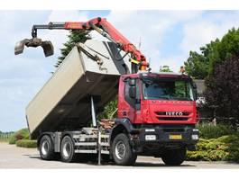 tipper truck > 7.5 t Iveco TRAKKER 450ps !!Z-kran!!RADIO REMOTE!!3 SIDED TIPPER!!EURO5!! 2008