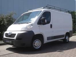 closed lcv Peugeot BOXER 330 2.2 hdi 2012
