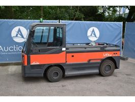 tow tractor Linde P250L 2014