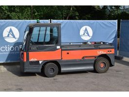 tow tractor Linde P250 2014