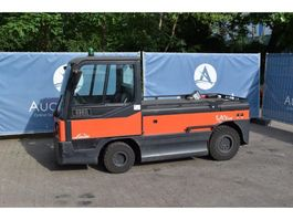 tow tractor Linde P250 2015