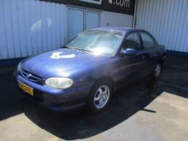 automóvel sedã Kia Sephia 1.5 2000