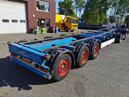container chassis semi trailer Kögel SW24 3 axle SAF - Discbrakes - Lift axle - 07/2020 APK 2008