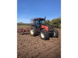 farm tractor Valtra VALMET  900 2000