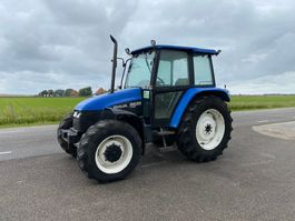 farm tractor New Holland 6635