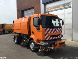 Road sweeper truck Renault Midlum Scareb Major 6,5 m3 with 3-rd brush 2002