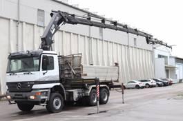tipper truck > 7.5 t Mercedes-Benz Actros 3348  6x6 Kran Hiab377 BJ 2007 Funk Leasing 1999