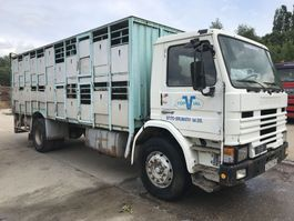 closed box truck > 7.5 t Scania 82H **FRENCH TRUCK-FULL STEEL** 1985