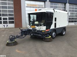 Road sweeper truck Ravo 580 EURO 4 80 km/h with 3-rd brush 2008