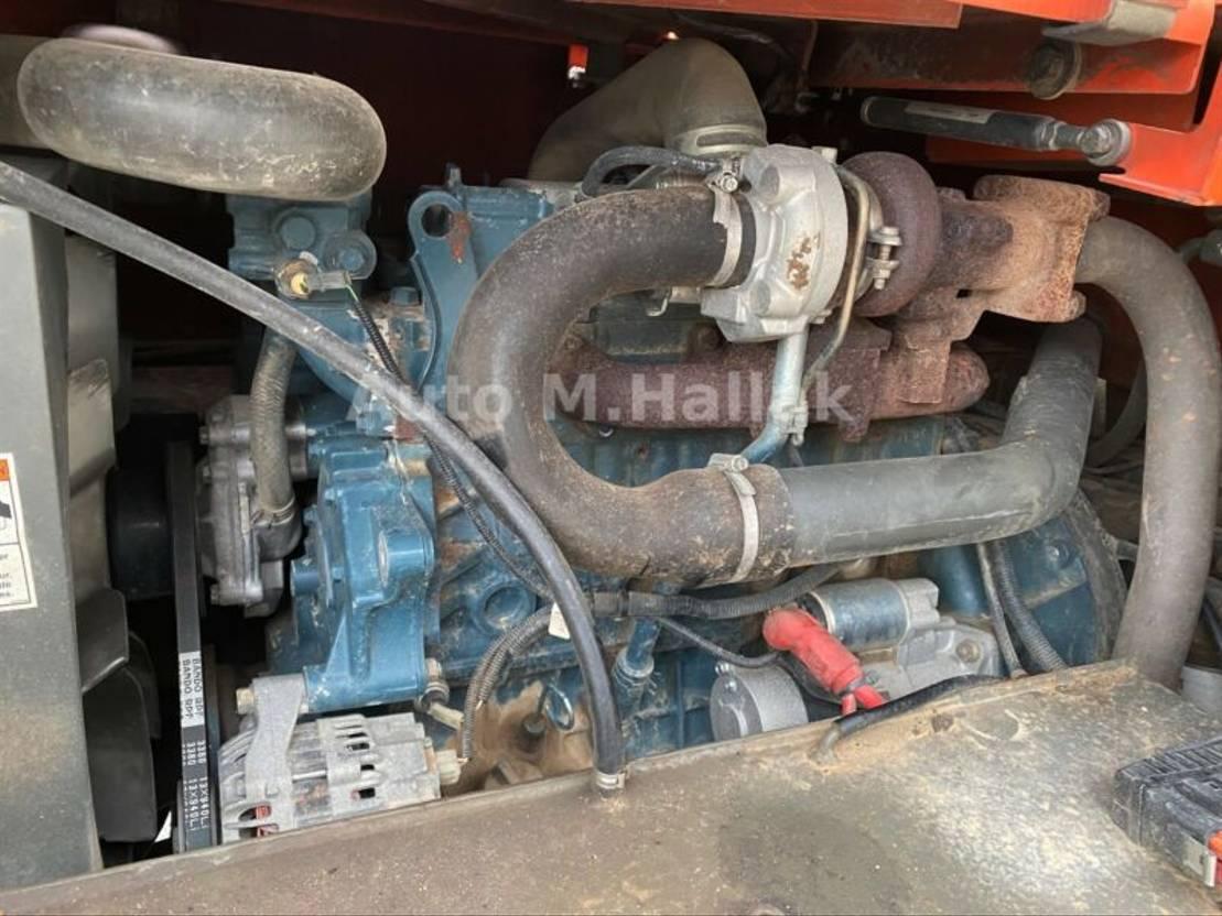 Straßenfertiger Ausa D 600 AP G Drehkippmulde 6 T 2008