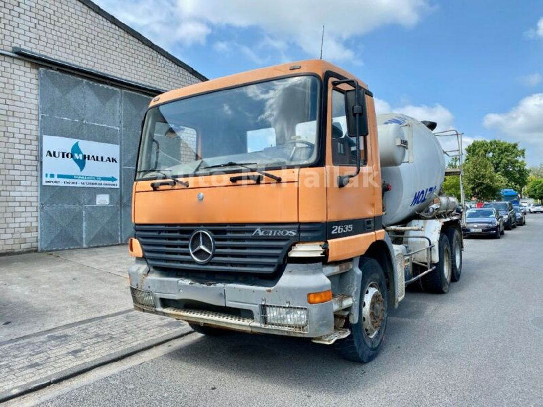 Betonmischer-LKW Mercedes Benz Actros 2635 K 6x4 7 Cubik Liebherr 2631