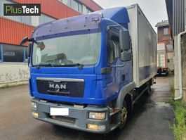 closed box truck > 7.5 t MAN TGL 8-220 2009