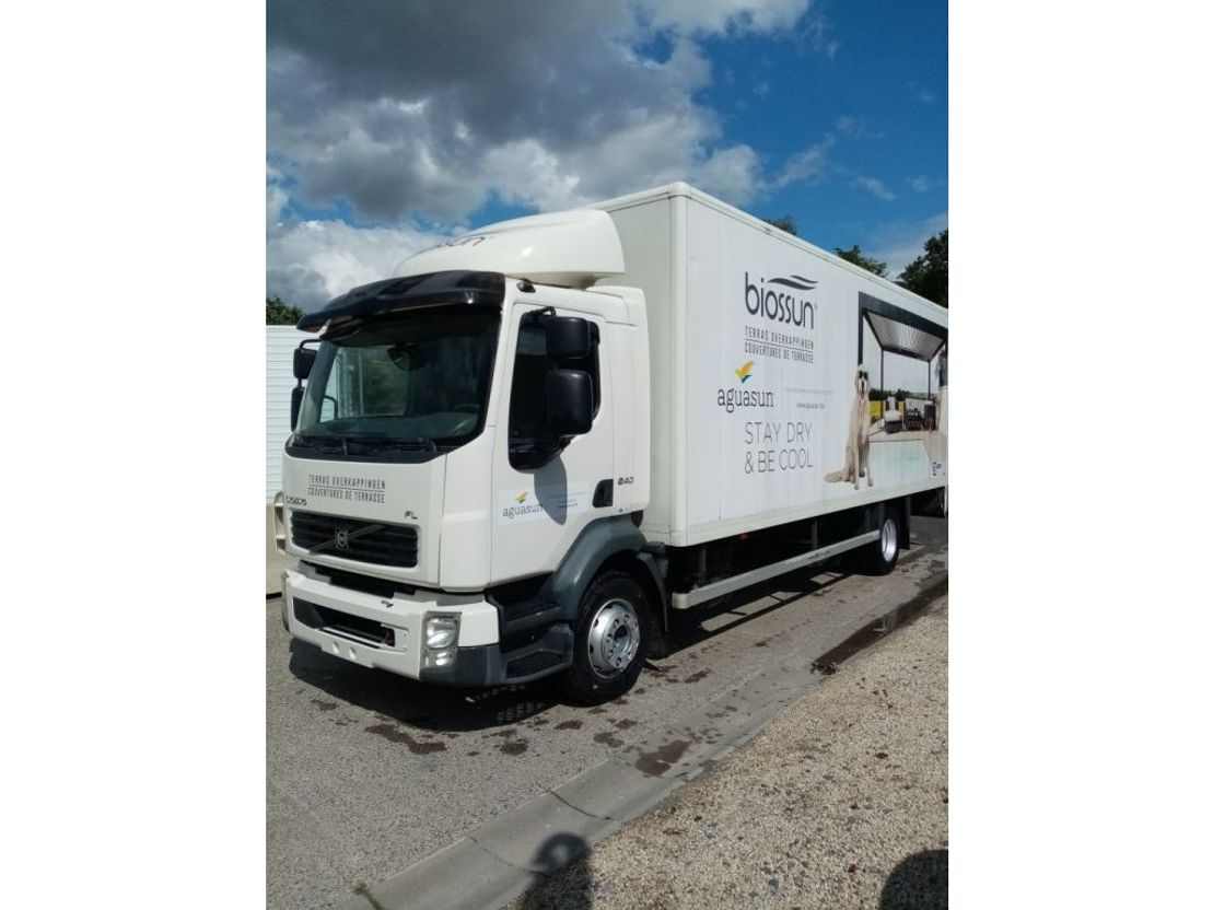 closed box truck > 7.5 t Volvo FL240 with taillift D'hollandia 1500kg 2008