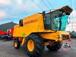combine - harvester New Holland TX34 1988