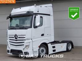 mega-volume tractorhead Mercedes Benz Actros 1842 LS 4X2 Mega Standklima Retarder 2x Tanks Euro 6 2015