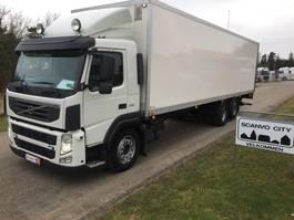 camión de caja cerrada > 7.5 t Volvo FM 330 2012