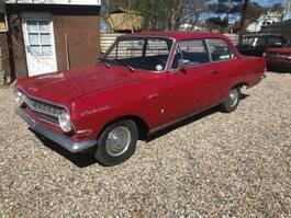 vettura berlina Opel 4*2 1964