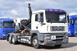 container truck MAN TGA 26.430 BL  HIAB M. Schalt  Retarder 1200l