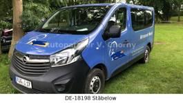 mpv car Opel Vivaro 9 Sitze * 8400,-netto TÜV Neu