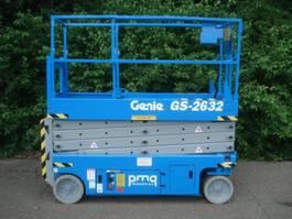 Scherenbühne auf Rädern Genie GS-2632 2006
