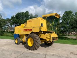 combine - harvester New Holland Clayson 8080 1977