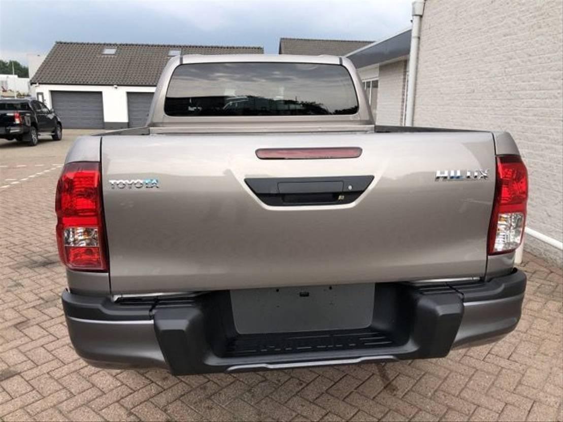 pickup passenger car Toyota Hilux 2.4 D-4D 2020
