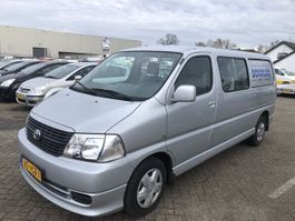 closed lcv Toyota HIACE 2.5 D-4D 115 LANG EMOTION 2007