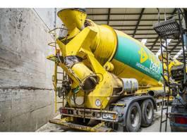 concrete mixer semi trailer Liebherr LIEBHERR BETON MIXER 1204 ZA - 12 M³ 2002