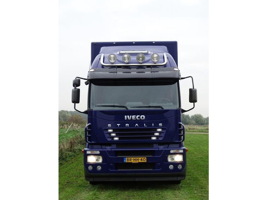 closed box truck > 7.5 t Iveco Stralis Flowers Store truck 2005