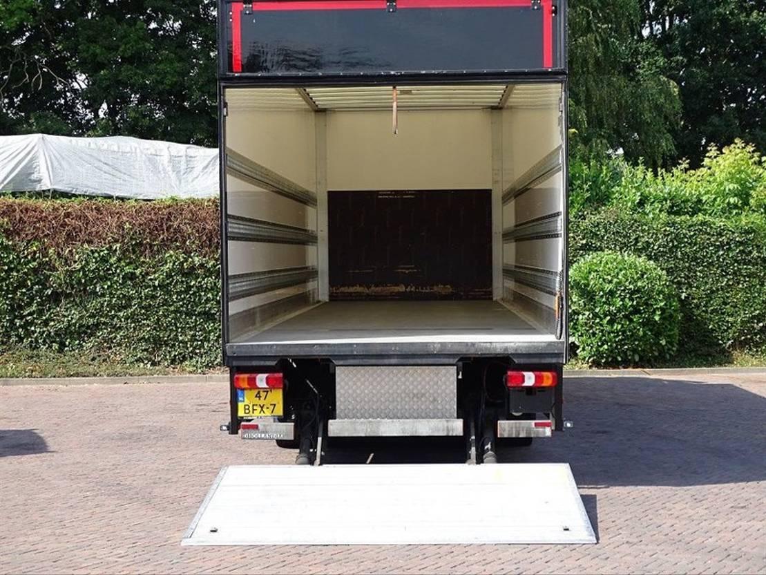 closed box truck > 7.5 t Mercedes Benz ANTOS 2027 AUT 3 ZITS NAV CAMERA BAK 950 CM 2015