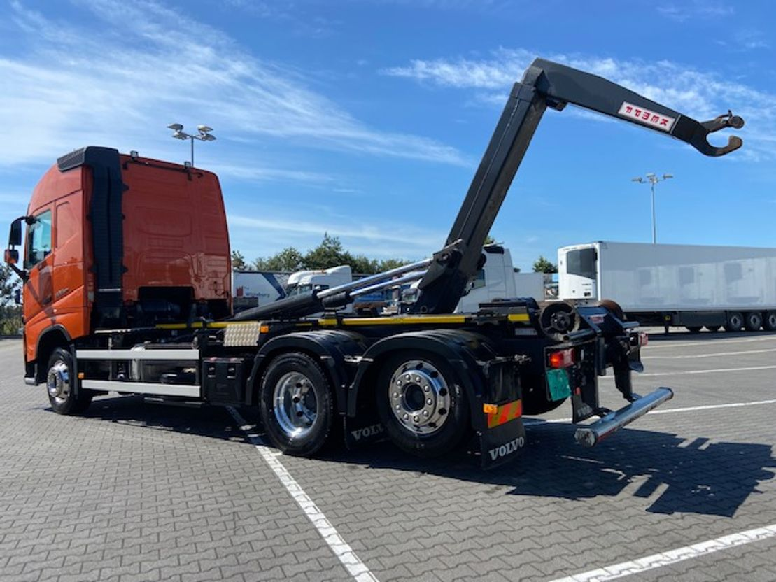 camion portacontainer Volvo FH 500 6X2*4 VDL HOOKLIFT 2017